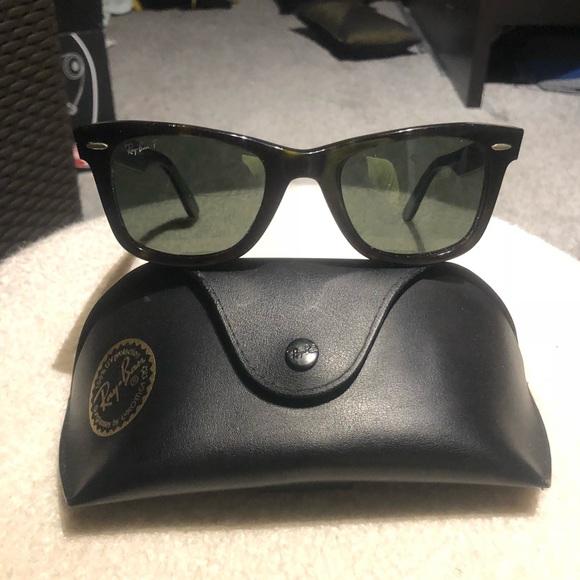 8ecc660240 RB Original Wayfarer Classic Polarized Sunglasses.  M 5b0e87773a112e169d607c3c